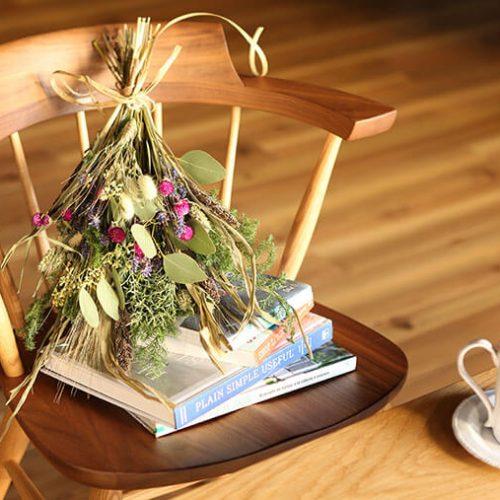 スワッグを飾って、植物と暮らすあたたかな生活