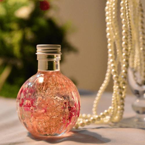 ボトルに詰めたお花の標本、ハーバリウムの作り方