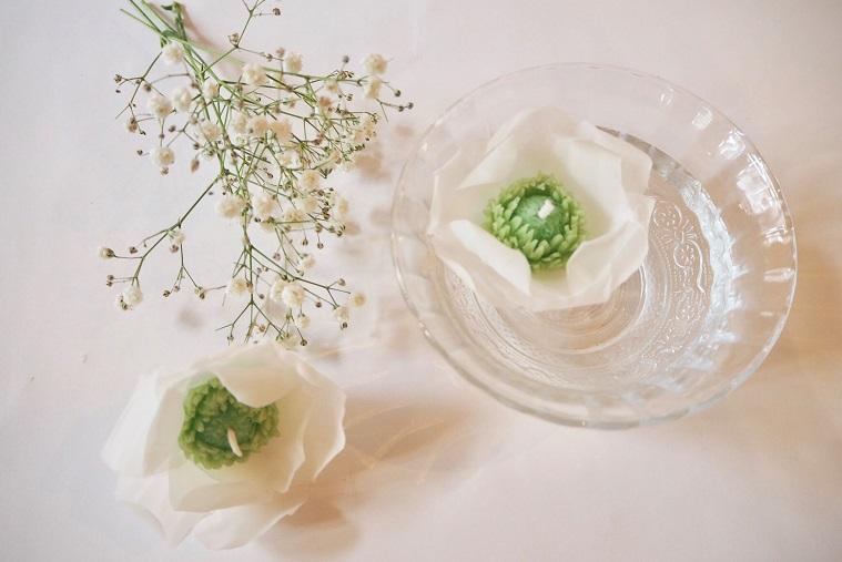 お花のフローティングキャンドル
