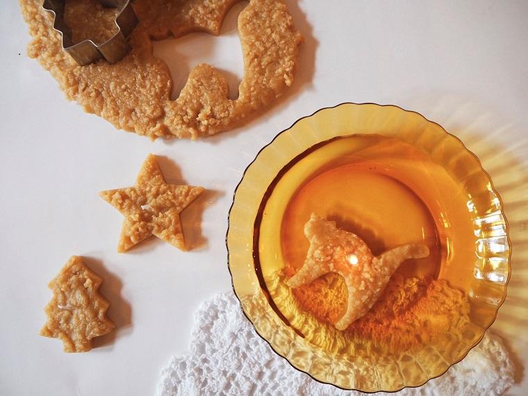 星形や猫形のクッキーキャンドル