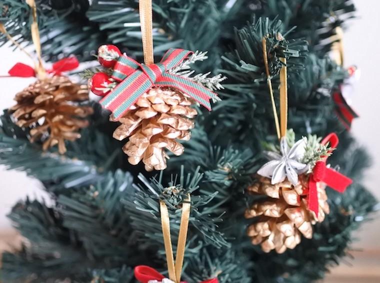 松ぼっくりのクリスマスオーナメント