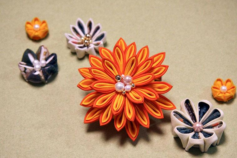 つまみ細工の髪飾りレシピ【中級編】立体つまみのお花の作り方