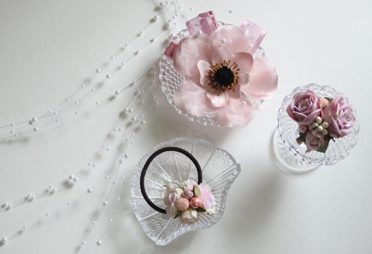 パーティーシーンのヘアアクセサリーを造花で手作りするレシピ