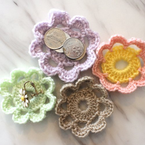 かぎ針で編むお花モチーフのかんたんな作り方