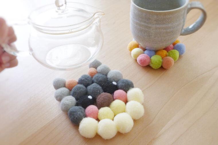 フェルトボールで簡単!ぽんぽんコースターの作り方
