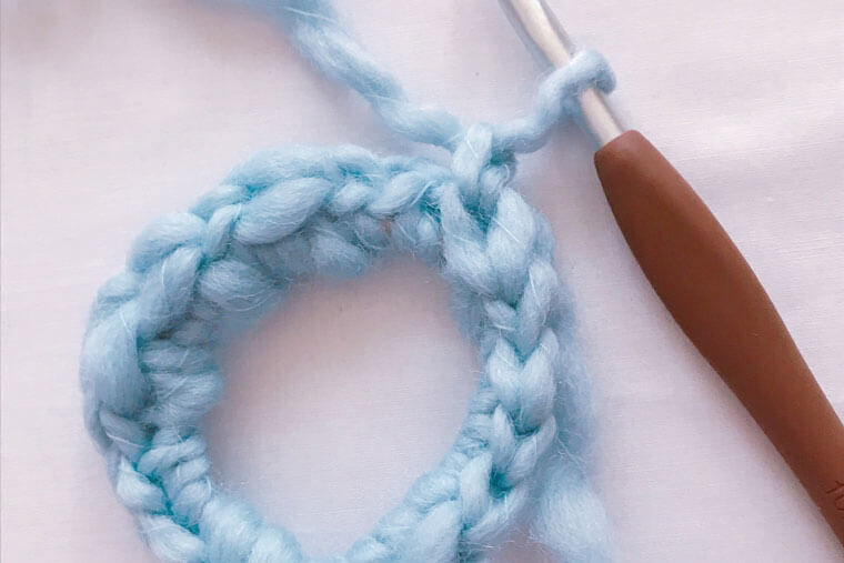 毛糸のシュシュ
