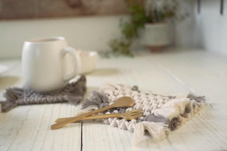 編んで結ぶ楽しさを。マクラメの基本「平結び」と人気アイテムの作り方