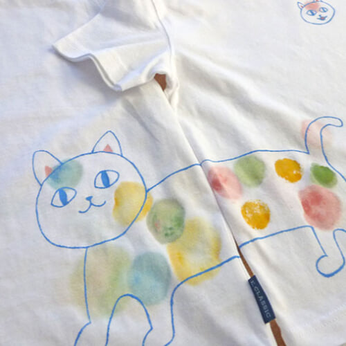 布絵の具で身の回りのアイテムをカラフルに。使い方とTシャツに絵を描く方法