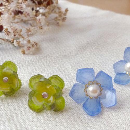 プラバンで作る立体的なお花やリボンのアクセサリー